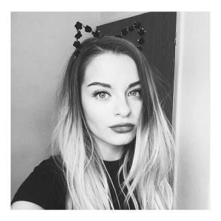 instagram @chloeplumstead